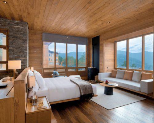 Lodge_Suite_bedroom_at_Paro_[8075-MEDIUM]