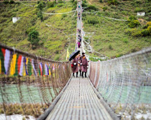Suspension_bridge_in_Punakha_[8084-MEDIUM]